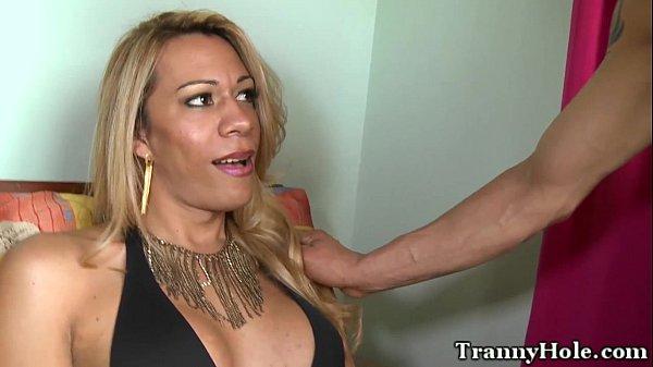 Filmes porno cara comendo um travesti delicioso