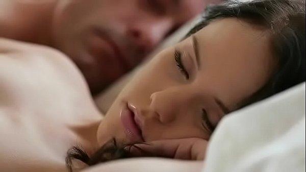 Megan Rain acordando com uma pica dentro de sua xota