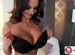 Navio das amadoras morena safada fazendo sexo quente com ator porno safadão