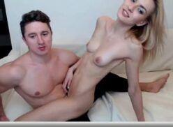Porno online casal amador fazendo sexo online na webcam