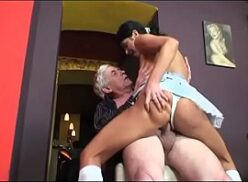 Xvide ninfeta de 20 aninhos fazendo delicioso sexo anal
