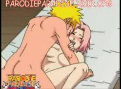 Naruto hentai metendo o ferro na bela Sakura quando ela fica em cima da cama toda arreganhada