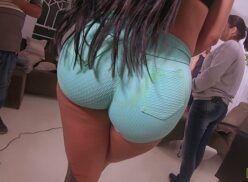 Sexo grátis no brasil personal de Elisa Sanches se dá bem e come buceta deliciosa dessa rabuda brasileira