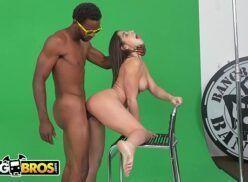 Site de videos sexo linda ninfetinha super gostosa fodendo com negro dotado