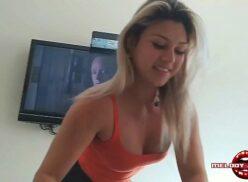 Melody Antunes putinha brasileira realiza sonho de fã e fode com ele no pelo