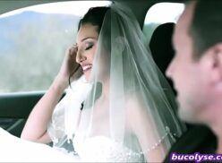 Noiva bunduda fodendo com amante antes do casamento