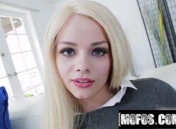 Sexo video gostoso loirinha linda da buceta rosadinha deixando macho pirado de prazer