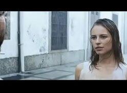 Paola Oliveira nua em cena de Budapeste