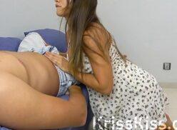 Pornhub Brasil morena safada sentando buceta na pica