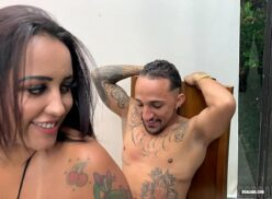 Videos porno brasileiro da Babi Ventura dando uma sambada maliciosa na rola do safado