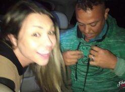 Xxx brasileiro Fernandinha Fernandez fodendo oral com desconhecidos