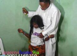 Samba orno pai de santo fudendo com moreninha que ele foi contar o futuro dela