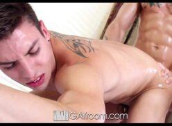 4tube gay afundando a rola no cu do novinho de 18 anos