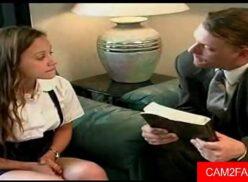 Vídeo de sexo com novinha fodendo com professor particular