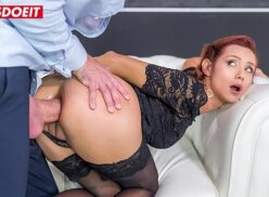 Porno show com ruiva bunduda