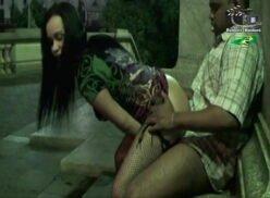 Xvideos no meio da rua ninfetinha gostosa e safada dando em local público
