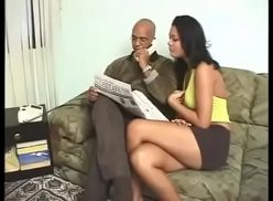 Porno brasileirinhas do corno manso deixando vizinho comer sua mulher