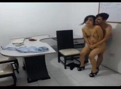 Videos de sexo no trabalho caiu na net